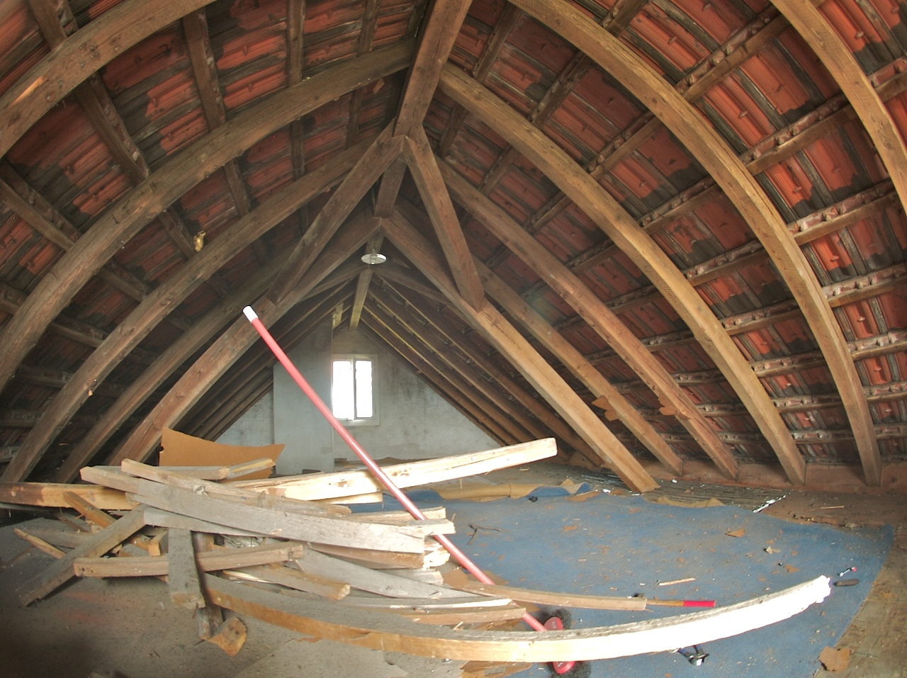 Monday 31st March 2008 - This is what the attic used to look like six months ago - I didnt have yn ultrawide lens then so this was taken with a fisheye lens hence it looks a bit funny