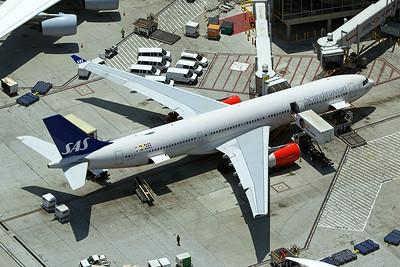 Scandinavian Airlines Airbus A330-343 LN-RKS 5-17-16