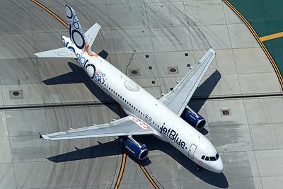 jetBlue Airways Airbus A320-232 N569JB 5-17-16