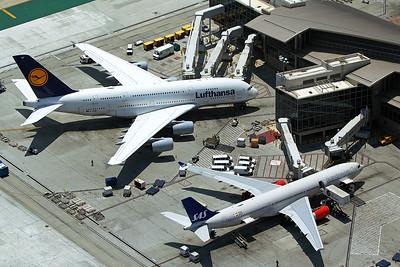 Lufthansa Airbus A380-841 D-AIMF 5-17-16 3