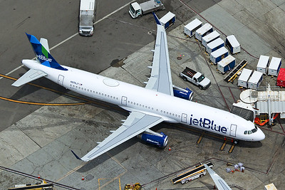 jetBlue Airways Airbus A321-231 N976JT 4-25-17