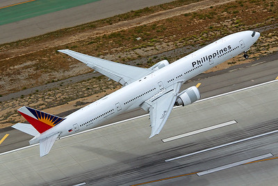 Philippine Airlines Boeing 777-3F6ER RP-C7772 4-25-17 3