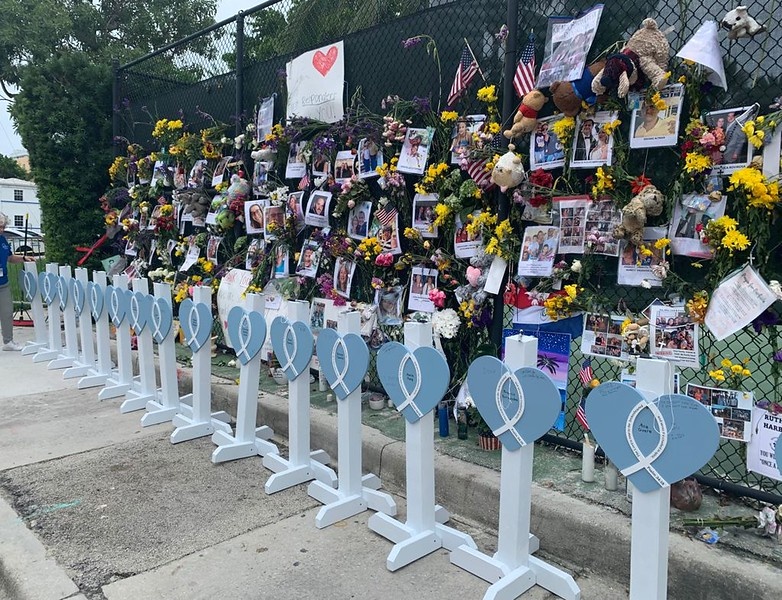 Hearts of Mercy at Memorial Wall_Surfside
