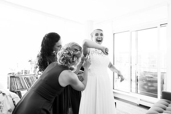 Olga & David's wedding - bride getting ready