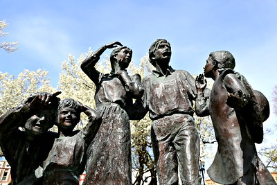 Pioneer Family, Tabernacle Square, Logan, Utah