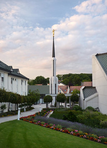 FrankfurtTempleTwilight11