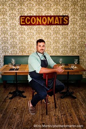 """FRANCE. LE LOT. Adrien Castagné dans son restaurant """" Le Petit Moulin """""""