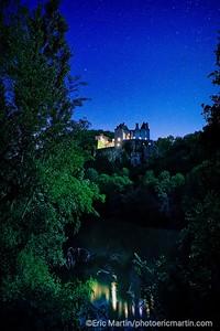 FRANCE. LE LOT. Le ciel étoilé au-dessus du Château de Cénevières.