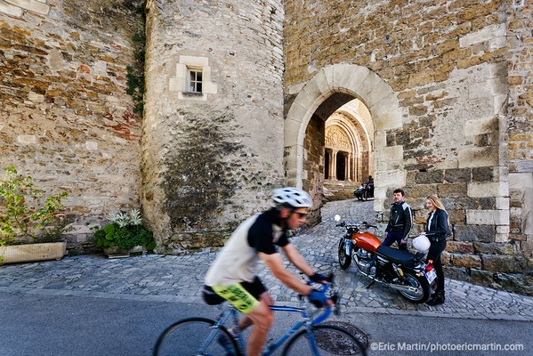 FRANCE. LE LOT. Carennac, un « des plus beaux villages de France » visité par les créateurs de French Rétro Ride.