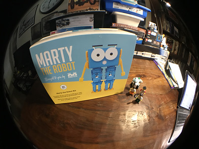 2018-06-29 Marty the Robot by Robotical unbox-06_heic