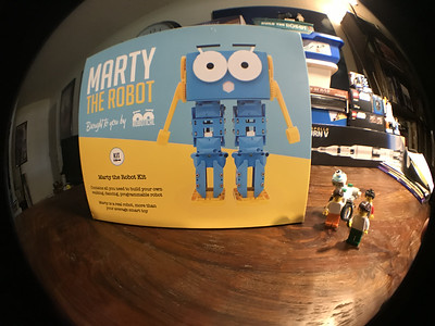 2018-06-29 Marty the Robot by Robotical unbox-07_heic