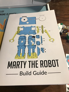 2018-06-29 Marty the Robot by Robotical unbox-20_heic