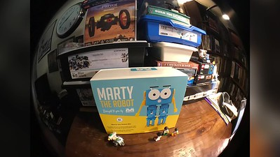 2018-06-29_marty-the-robot-by-robotical-unbox