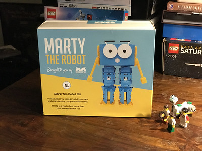 2018-06-29 Marty the Robot by Robotical unbox-09_heic