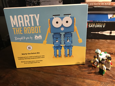 2018-06-29 Marty the Robot by Robotical unbox-08_heic