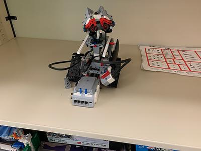 2019-03-27 LEGO Wall_EV3 broke-1
