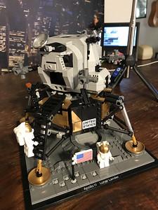 2019-06-08 LEGO Apollo Lunar Lander Build-15_heic