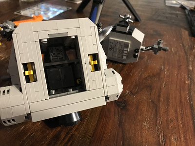 2019-06-08 LEGO Apollo Lunar Lander Build-09_heic