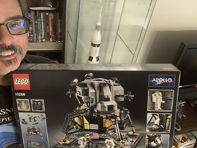 2019-06-08 LEGO Apollo Lunar Lander Build-16_heic