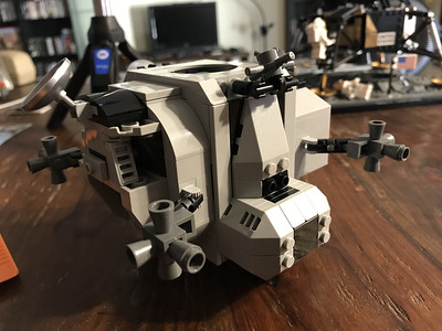2019-06-08 LEGO Apollo Lunar Lander Build-12_heic