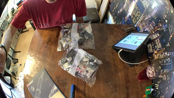 2019-06-05 LEGO Saturn V Build-02