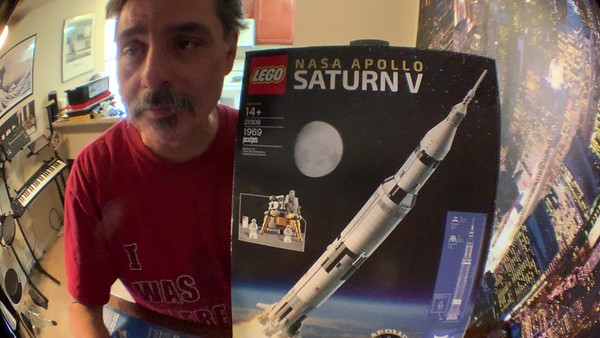 2019-06-05 LEGO Saturn V Build-01