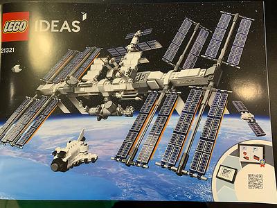 LEGO-21321_Ideas-International-Space-Station_booklet