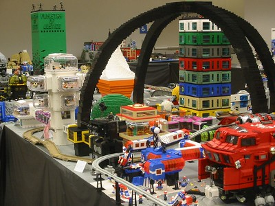 This was not the tallest MOC at the show.  The Ministry of Justice can be seen here on the other side of the Crevasse.