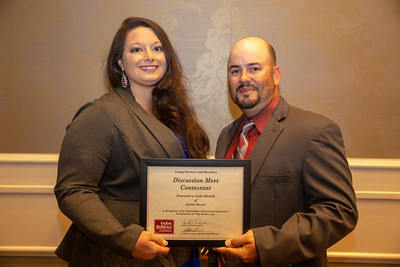2019 Louisiana Farm Bureau Young Farmers and Rancher Discussion Meet contestant Sadie Meshell of Sabine Parish receives his recognition certificate from Louisiana Farm Bureau Young Farmers and Ranchers state chair Matt Gravois at the 97th Annual Convention of the Louisiana Farm Bureau Federation in New Orleans.
