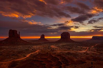 Monumental Sunrise - ic: 1215-5123-E-3