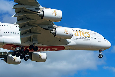 Emirates Airbus A380-861 A6-EUE 9-8-19 2