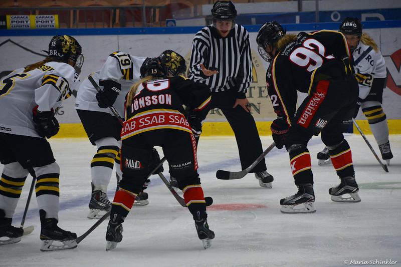 #15 Emelie Jönsson #92 Melinda Olsson