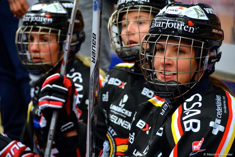 #24 Zsofia Jokai-Szilagyi #3 Josefine Åström #2 Jessica Wellborg
