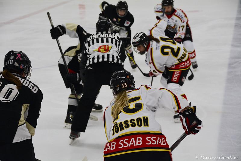 #15 Emelie Jönsson #24 Zsofia Jokai-Szilagyi