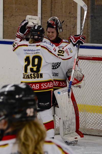 #30 Sara Sundqvist #19 Emma Eliasson