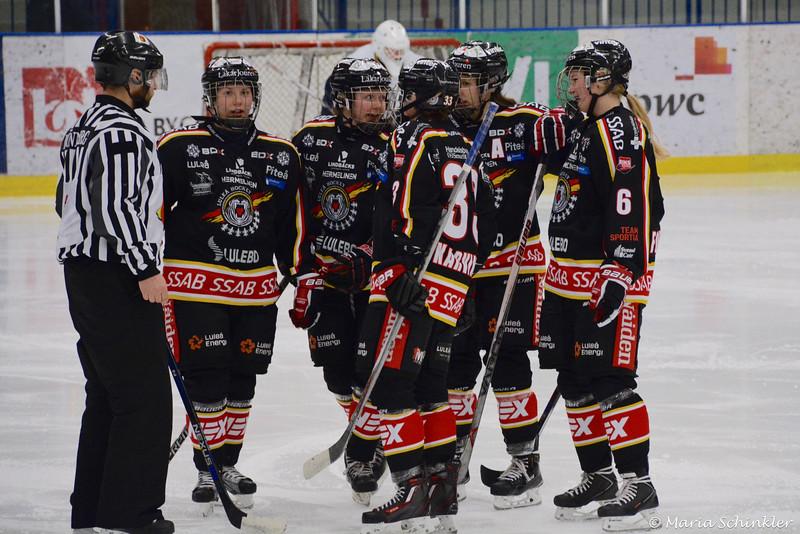 #33 Michelle Karvinen #7 Ida Boman #71 Kristin Andersson #9 Henriette Sletbak #6 Pernilla Forsgren