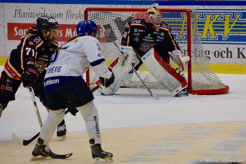 #30 Sara Sundqvist #71 Kristin Andersson