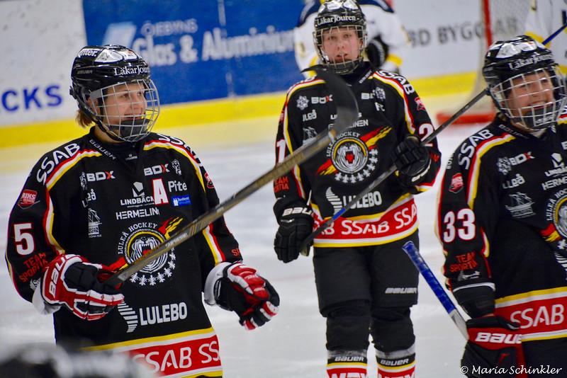 #5 Johanna Fällman #21 Nathalie Lidman #33 Michelle Karvinen