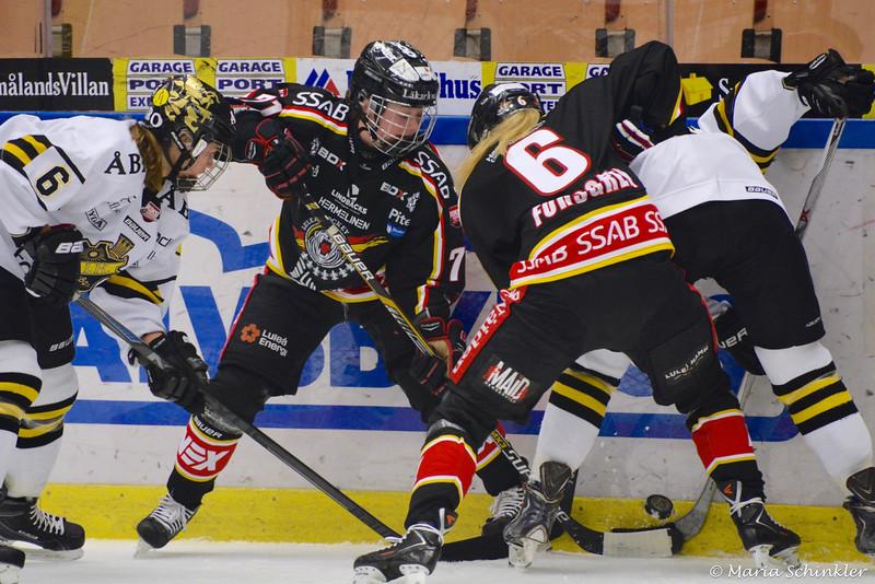 #71 Kristin Andersson #6 Pernilla Forsgren