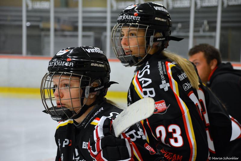 #15 Emelie Jönsson #23 Lisa Ekberg