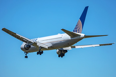 United Airlines Boeing 767-322(ER) N643UA 7-2-17