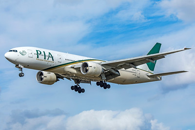 Pakistan International Airlines Boeing 777-240(LR) AP-BGL 9-9-18