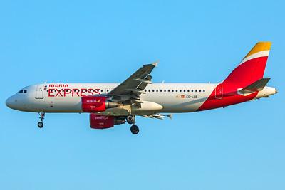 Iberia Express Airbus A320-214 EC-LLE 5-7-18