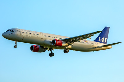 SAS Scandinavian Airlines Airbus A321-232 OY-KBE 5-7-18