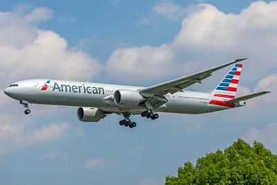 American Airlines Boeing 777-323(ER) N733AR 5-8-18
