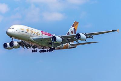 Etihad Airways Airbus A380-861 A6-APE 5-8-18