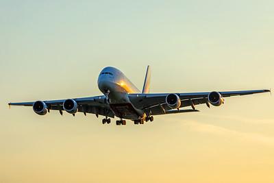 Emirates Airbus A380-861 A6-EDH 5-7-18