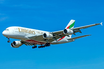 Emirates Airbus A380-861 A6-EES 8-1-18