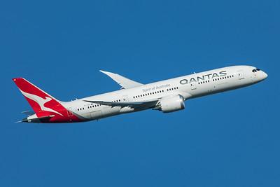 Qantas Boeing 787-9 Dreamliner VH-ZNB 11-10-19
