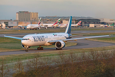 Kuwait Airways Boeing 777-369(ER) 9K-AOJ 11-10-19
